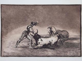 """""""Un caballero español mata un toro despuçes"""". Serie La Tauromaquia. 1815 - 1816. Tirada de 1983, Calcografía Nacional.  Aguafuerte. y aguatinta. Huella 24x35 cms."""
