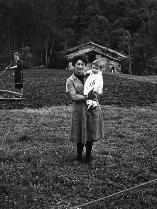 Familia de campesinos asturianos, 1970