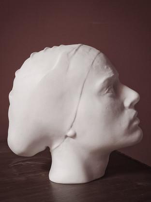 """ANTONIO LÓPEZ GARCÍA (Tomelloso, 1936)""""La Mujer del Almanzora"""" (2017) Mármol Sivec, 25x26x15 cms."""