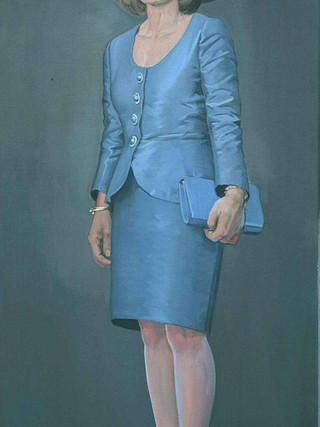 Señora con pamela azul