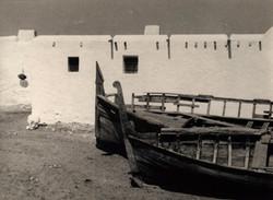 JOSE_MARIA_ARTERO_-_Sin_titulo_-barcas_en_el_Cabo_de_Gata_(circa_1960)_fotografía_en_blanco_y_negro
