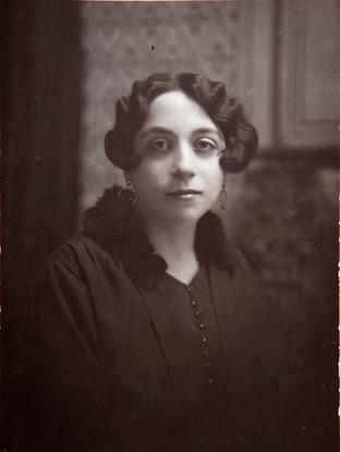 Retrato de Concepción Ibáñez. Hacia 1930