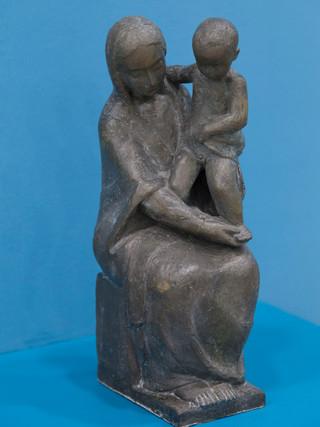 """Antonio Campillo Párraga (Murcia, 1926 – 2009) """"Virgen con niño"""". 1955. Bronce. Altura 36 cms."""