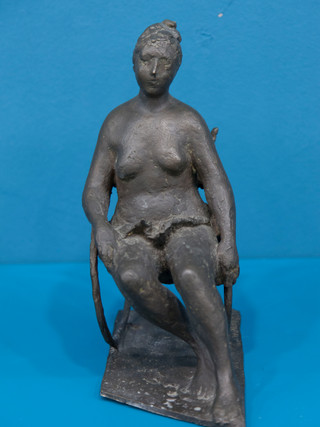 """Antonio Campillo Párraga (Murcia, 1926 – 2009) """"Mujer sentada"""". 1963. Bronce. Altura 24 cms."""