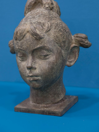 """Antonio Campillo Párraga (Murcia, 1926 – 2009) """"Carmen"""". 1968. Bronce. Altura 28 cms."""