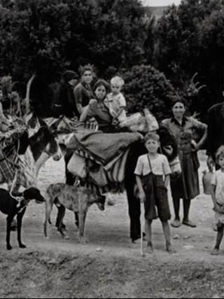 """Familia nomada en la Mancha"". 1961."