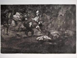 """""""Disparate fúnebre"""". Serie Los Disparates. 1815 - 1823. Primera edición (1864) Aguafuerte. y aguatinta. Huella 21x32 cms."""