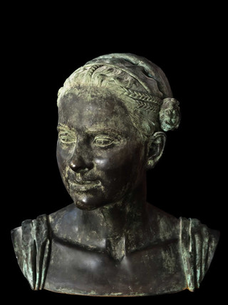 "JOSÉ ANTONIO PRESAS (Madrid 1965) ""Adriana"". (1985) Altura 36 cms. Bronce."