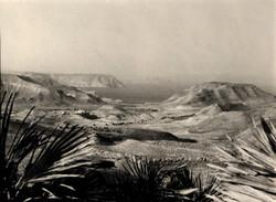 ARTERO_-_Sin_titulo_-(paisaje_de_Cabo_de_Gata)_(circa_1960)_fotografía_en_b-n