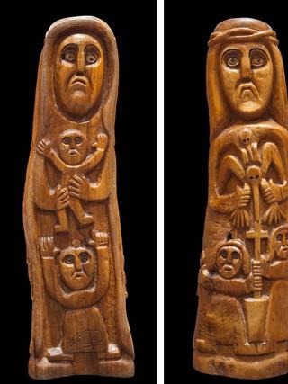 """PEDRO GILABERT GALLEGO (Arboleas, Almería, 1915 – 2008) """"Virgen de Yerma"""" [cara delantera] y """"Cristo con pájaro"""" [cara trasera] Hacia 1985. 74x20x13 cms. Madera de olivo tallada"""