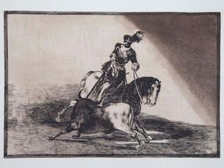 """""""Carlos V lanceando un toro en la plaza de Valladolid"""". Serie La Tauromaquia. 1815 - 1816. Tirada de 1983, Calcografía Nacional.  Aguafuerte. y aguatinta. Huella 25x35 cms."""