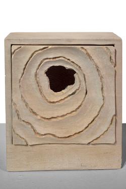 KAMPSCHULTE - No hay agua (2000) talla directa en caliza Mocca crema