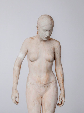 "Francisco López Hernández (Madrid, 1932 - 2017) ""Desnudo"". 2008. Escayola. Altura 63 cms."