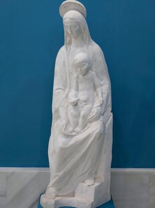 """Antonio Campillo Párraga (Murcia, 1926 – 2009) """"Virgen del pajarico"""". 1958. Escayola. Altura 159 cms."""