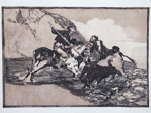 """""""Modo con que los antiguos españoles cazaban los toros a caballo en el campo"""". Serie La Tauromaquia. 1815 - 1816. Tirada de 1983, Calcografía Nacional.  Aguafuerte. y aguatinta. Huella 25x35 cms."""