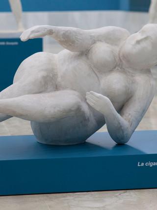 """Antonio Campillo Párraga (Murcia, 1926 – 2009) """"La cigarra"""". 2008. Escayola. Altura 55 cms."""