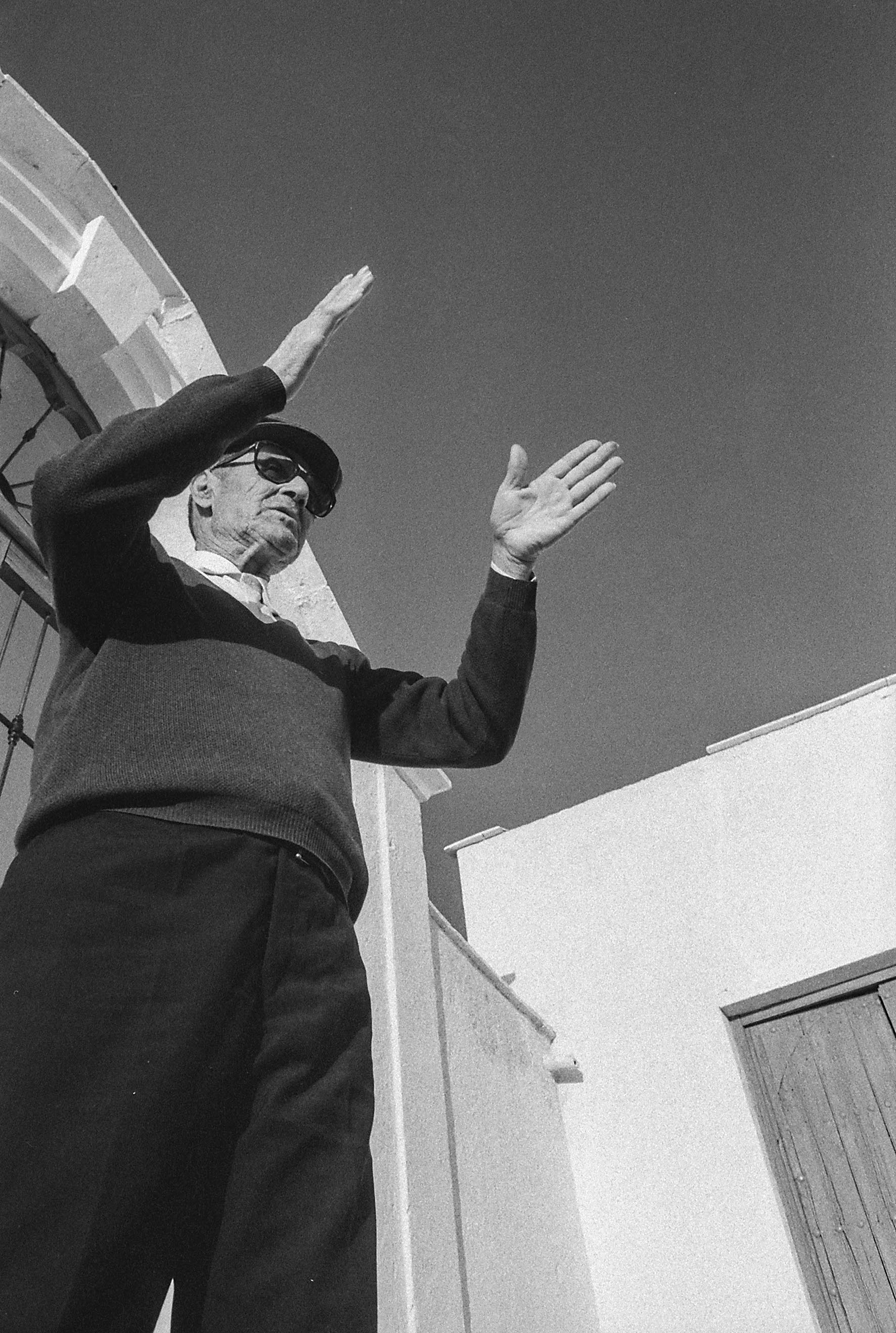Vicente Ferrer . Sepulturero. 1972
