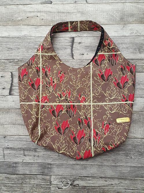 Stofftasche, hellbraun/pflaume mit Magnolienblüten, Maße ca 55x40x16cm