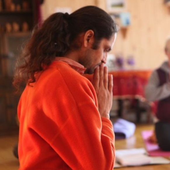 Patanjali's Yoga Sutras Chanting & Discussion with Yogacharya Jnandev