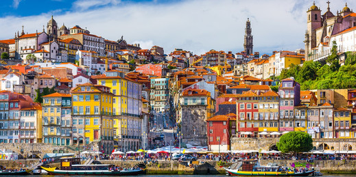Panoramic view of Porto's Ribeira