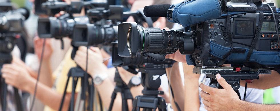 photographie de plusieurs caméras filmant dans la même direction.