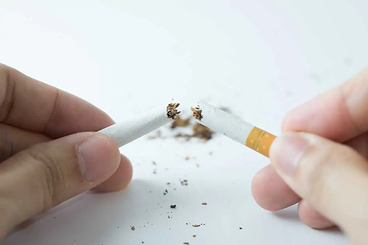 quit-smoking-concept-by-breaking-the-cigarette-P87K4X8.webp