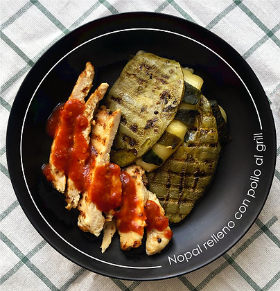 Nopales rellenos con pollo al grill
