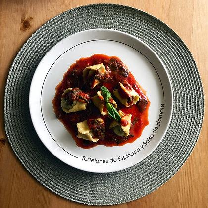 Tortelone de Espinaca con salsa de jitomate