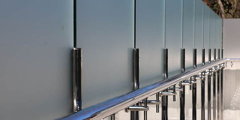privacy-glass-film-melbourne-pool-700x35