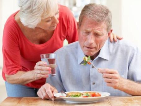 Dificultad al tragar en adultos mayores