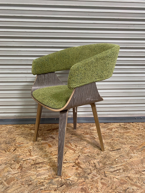 Modern Chair w Natural Finish