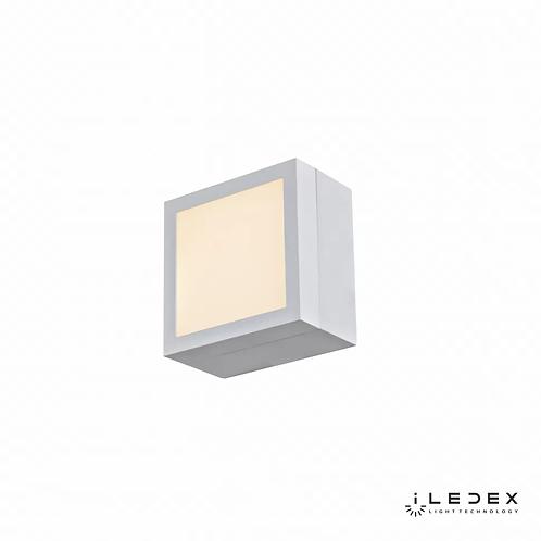 Накладной светильник Creator X068104 4W 3000K WH