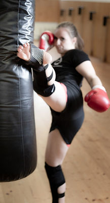 Kickbox2_heller-2_edited.jpg