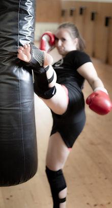 Kickbox2_heller-2_edited.jpg