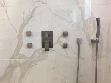 Argyle Bathroom Tile