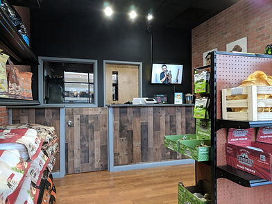 Grooming Salon Lobby
