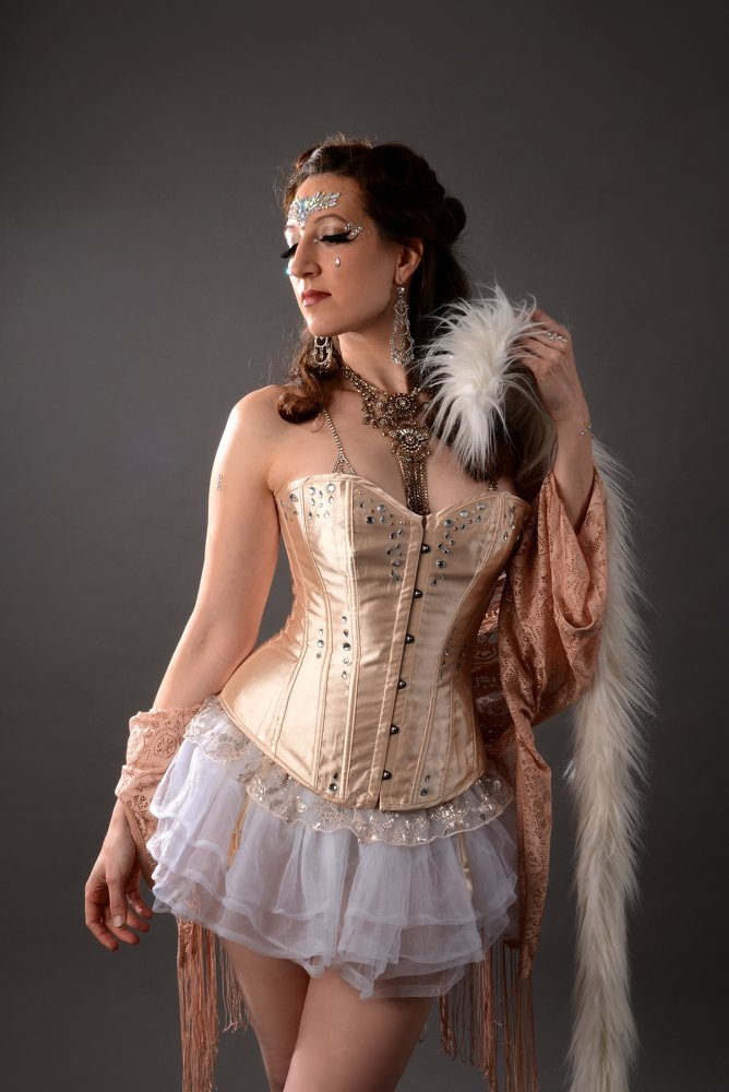 London burlesque dancer 23