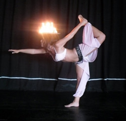 Spain UK Belly dancer 20