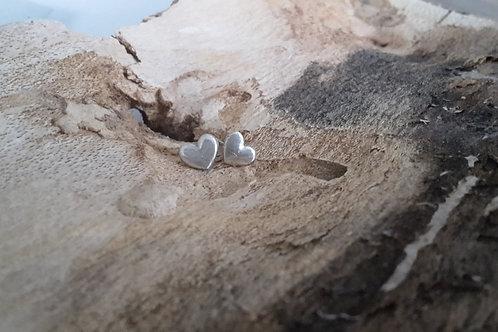 Fijn zilveren oorstekertjes hart