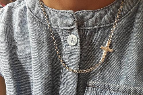 Zilveren ketting met handgemaakt kruisje