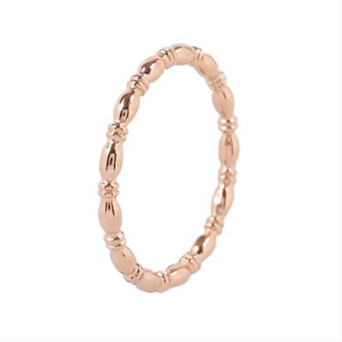 Minimalistische 14 k rosé ring rhythmic