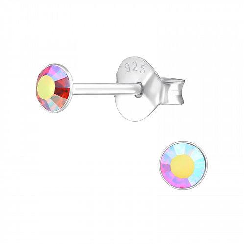 Zilveren oorstekers met facet roze steen