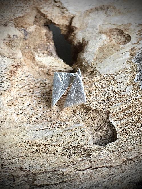 Minimalistische oorstekers - asymmetrisch in fijn zilver 999