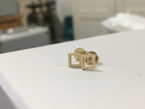 Minimalistische 14k geelgouden oorstekers square