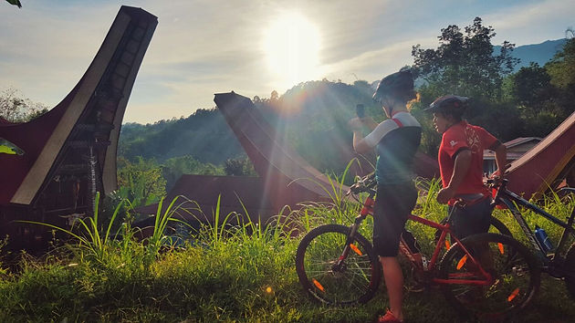 What to Do in Toraja: A Cycling Tour!