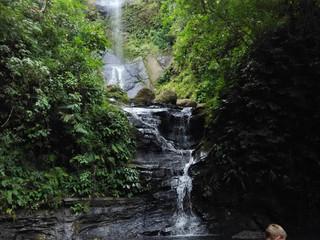 Mau Nikmati Air Terjun Dekat Kota, ke Sarambu Sikore Saja!