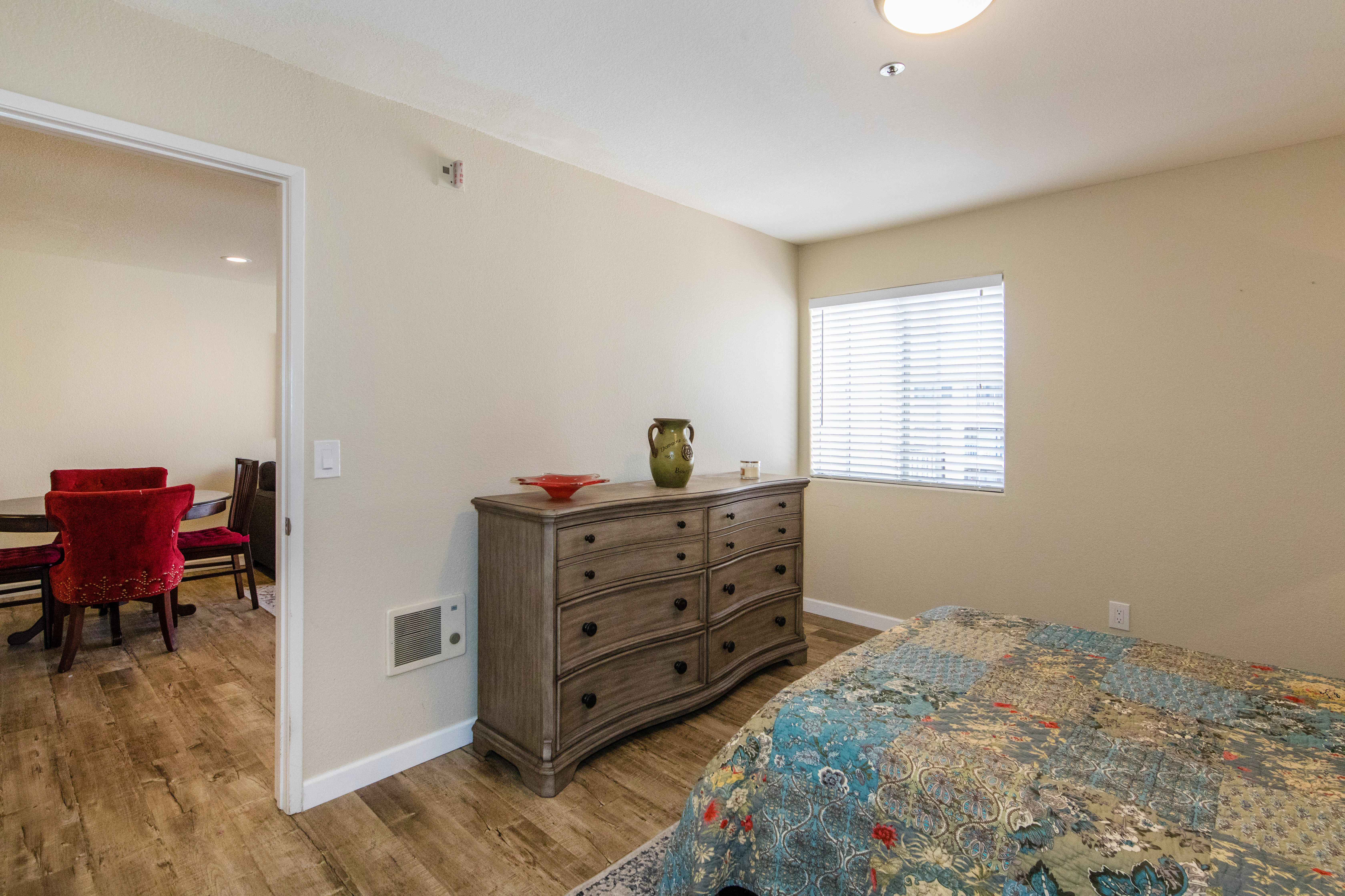 3815 Georgia St #307-int-17