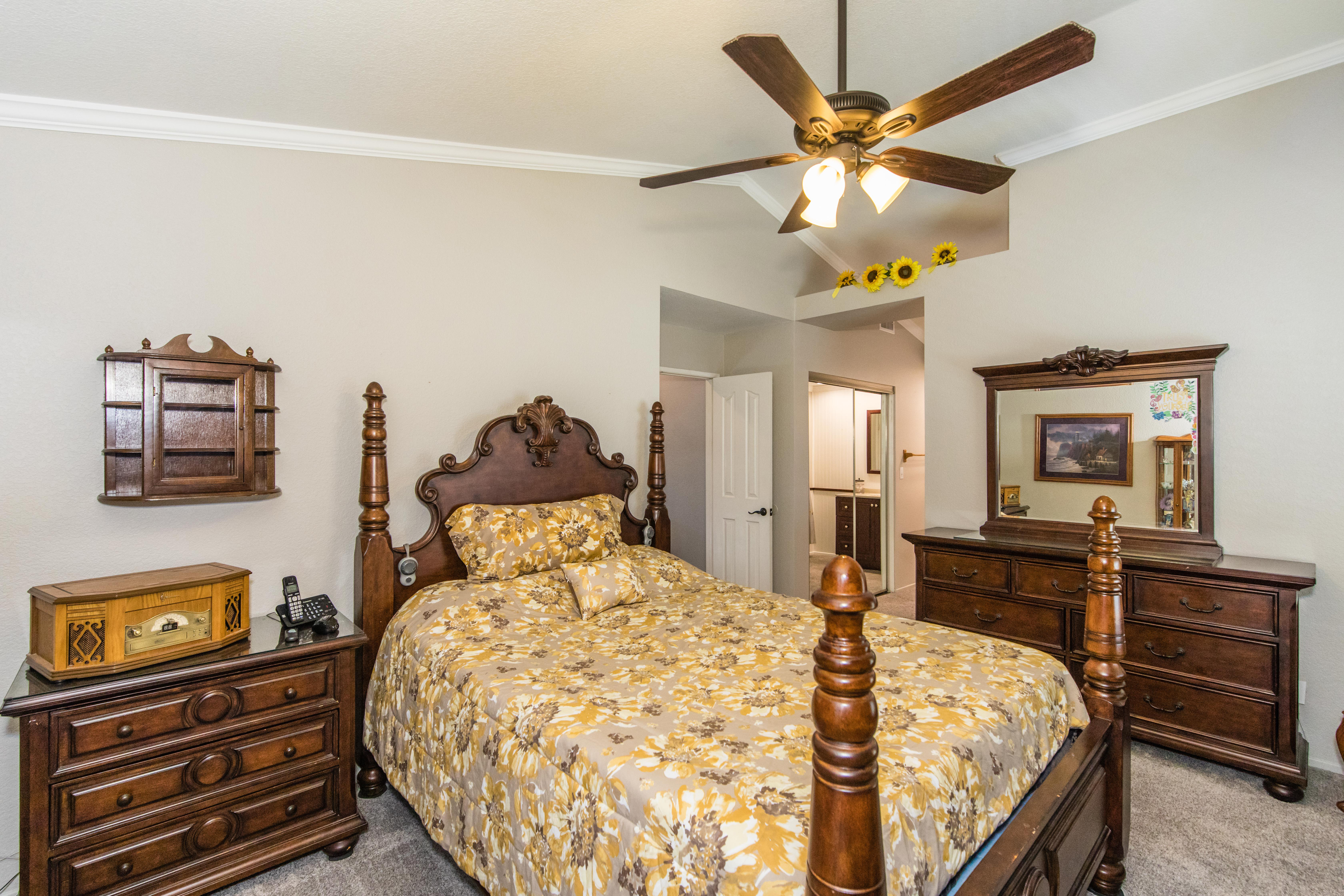 30582 Lake Pointe Dr-int-30