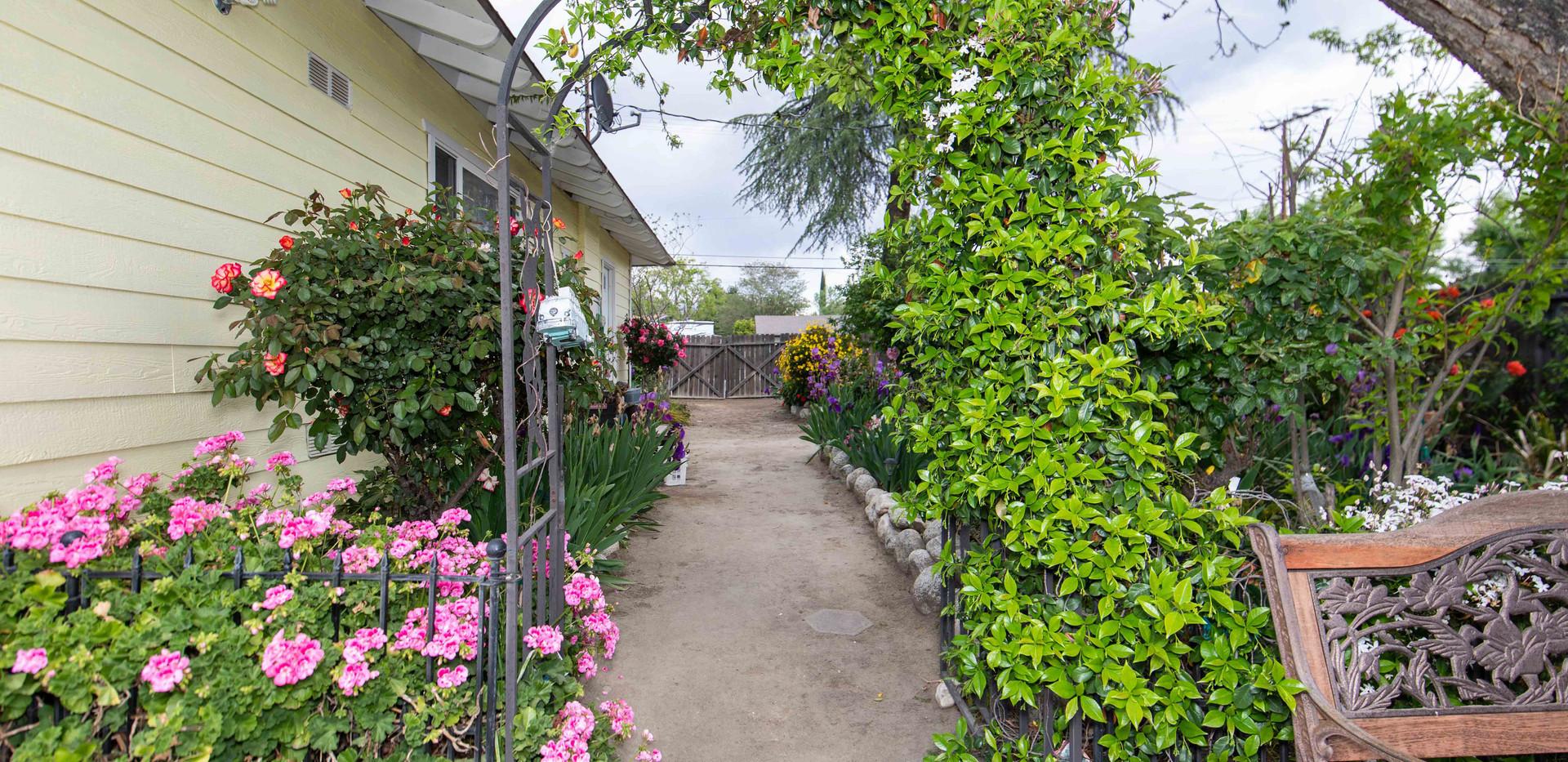 41485 Johnston Ave-ext-20.jpg