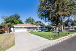 5325 Greenbrier Dr-ext-2.jpg